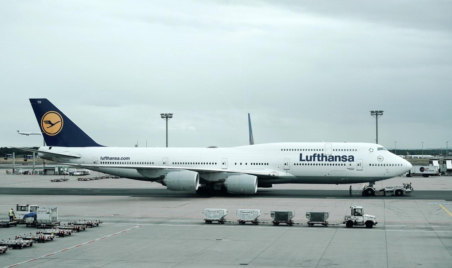 «Скажи миру «Да» и выиграй два билета на любой из рейсов Lufthansa